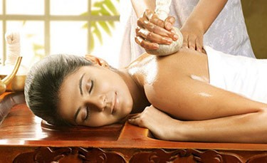 Mareena Panchakarma Kizhi Ayurveda treatment
